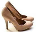 high-heels-1327020_1280.jpg
